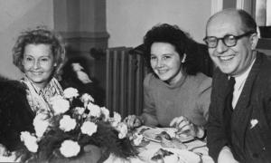 Lilian Harvey (li.) mit Liesel Christ (M.) und Michael Arco (re.)